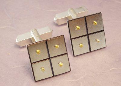 Goldschmiede Pia Hartmann_Manschettenknöpfe Quadrate Silber, Gold