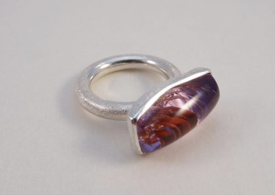 Ring in Silber mit einem Amethyst natural inclusion Fairtrade